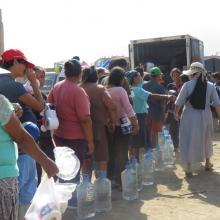 Sauberes Trinkwasser und Hygieneartikel sind nötig, um den Ausbruch von Seuchen wie Typhus und Cholera zu verhindern