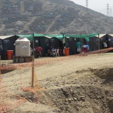 Eine Zeltstadt, in der Opfer der Flutkatastrophe Zuflucht gefunden haben