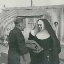 Schwester im Einsatz im Lager Friedland (1953)