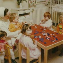 St. Bernward-Krankenhaus: Kinderstation: Schwester Jovita (etwa 1980)